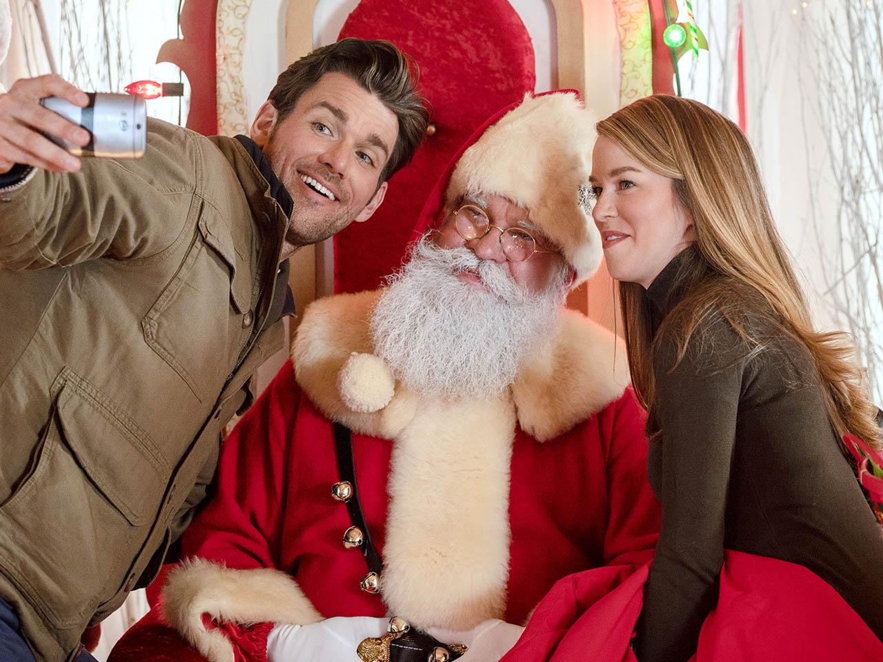 Hallmark Christmas Movies - A Christmas Scavenger Hunt - Johnson Production Group - Crown Media - 1280 - Featured - 01
